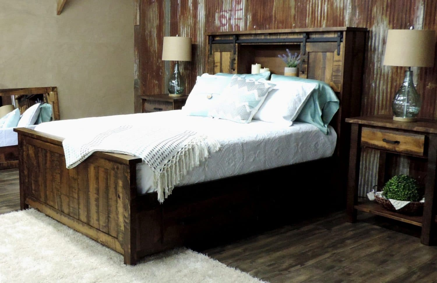 Timberline Captain Bed In Rough-Sawn Maple